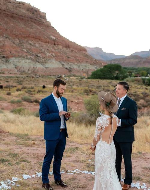 zion national park sunrise wedding.jpg