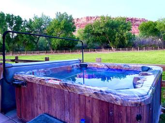 hot tub near zion.jpeg