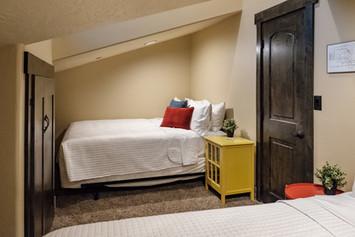 Bedroom 5 (nook)
