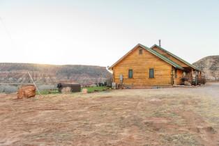 cabins near zion national park.jpg
