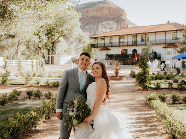 utah weddings in zions.jpg