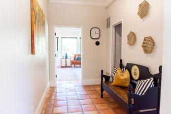 Kinesava Room Hallway