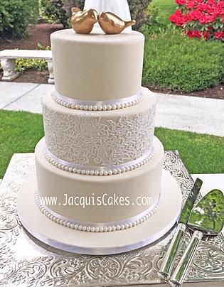 Mindys Vintage Lace Wedding Cake