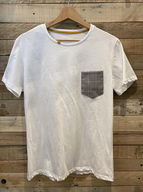 T-shirt bianca con taschino