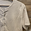 Thumbnail: T-shirt basica beige con bottoni