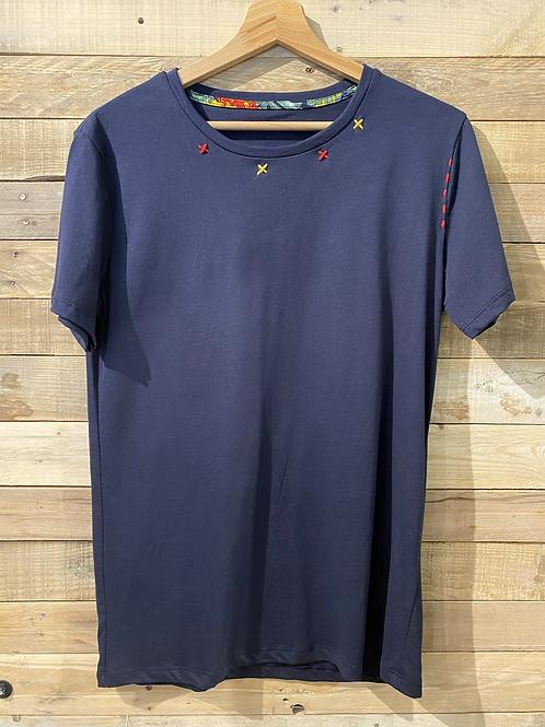 T-Shirt in cotone blu con cuciture colorate
