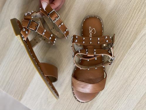 Sandalo schiava cuoio con borchie