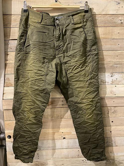 Pantaloni grinze verde militare