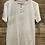 Thumbnail: T-shirt bianca con bottoncini