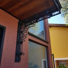 Cobertura da porta principal