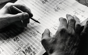 #ETUDE | Pourquoi le créateur fou est un mythe dans le monde de la musique