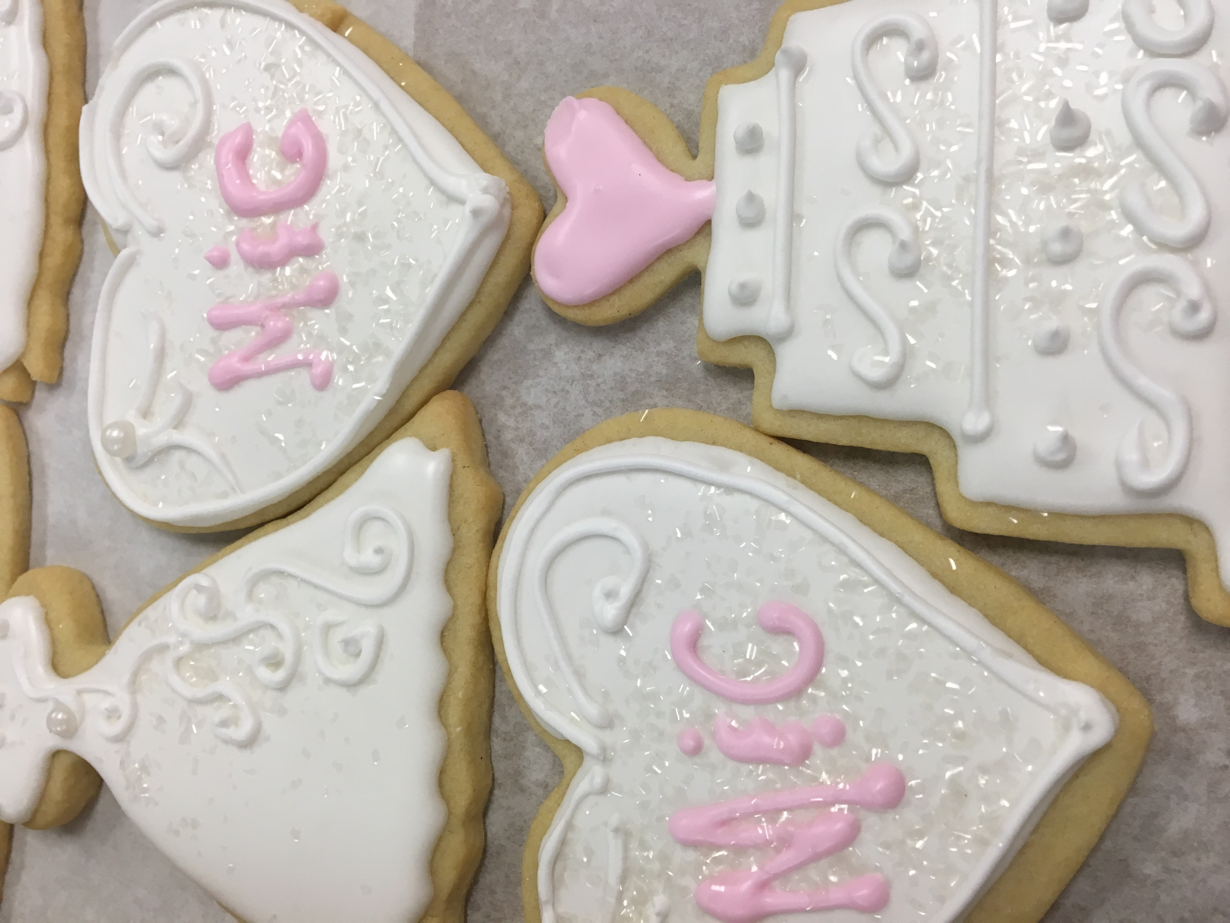 wedding dress cookies and hearts