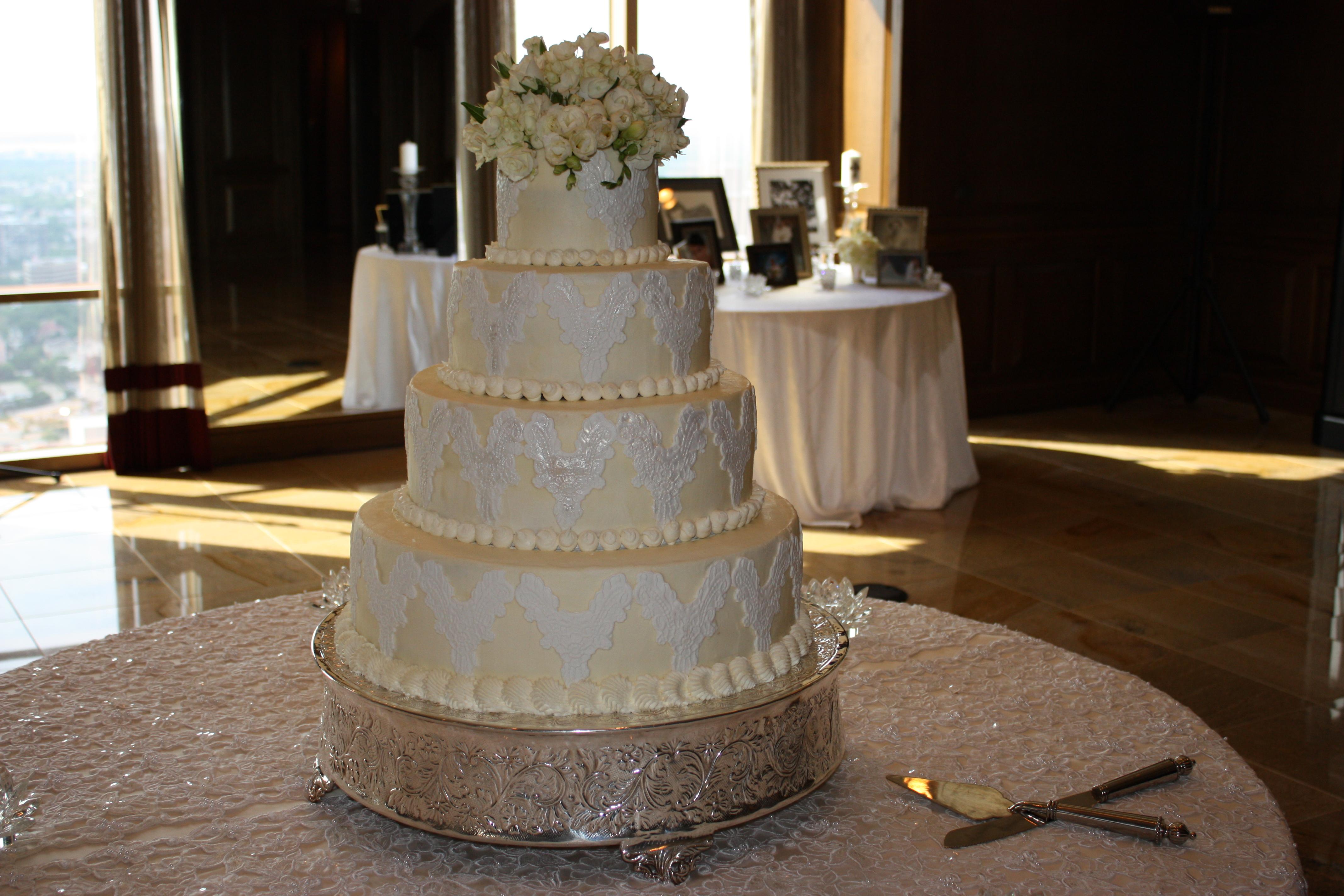 Denny wedding cake