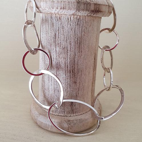 Large irregular link bracelet