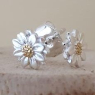 SMALL STERLING SILVER & GOLD PLATED DAISY EARRINGS