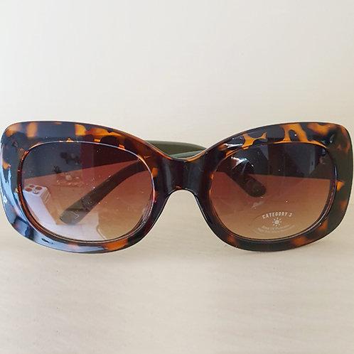 Oval tortoiseshell frame Sunglasses with Khaki green arms
