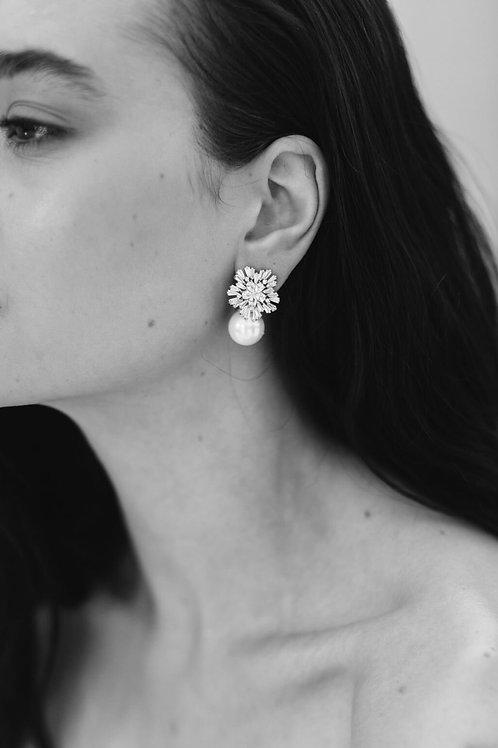 AMELIE GEORGE - ST CLAIR - STARBURST PEARL DROP EARRINGS