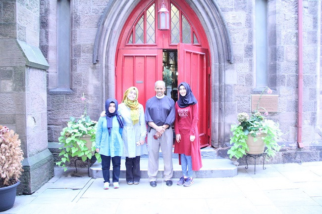 Iftar-with-members-of-Grace-Episcopal-Church (2)