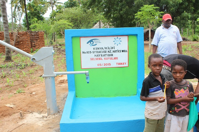 Syracuse-Community-Opened-a-Water-Well-in-Kenya (3)