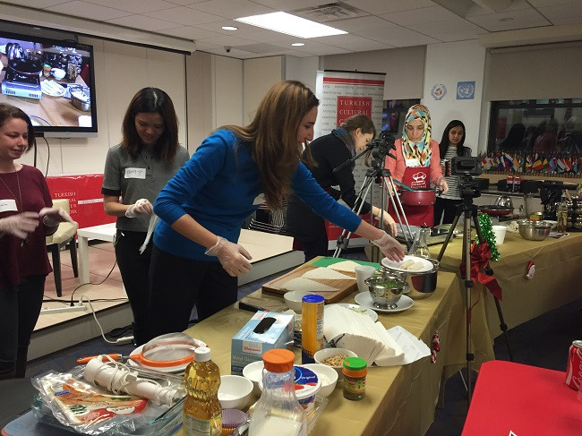 December-Cooking-Class-2015 (5)