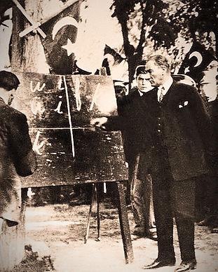 Ataturk-September_20%2C_1928_edited.jpg