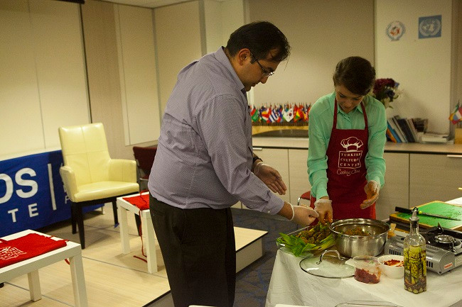 Full-House-For-The-First-Cooking-Class-Of-The-Season (1)