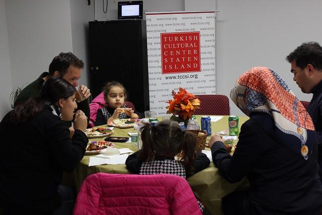 Thanksgiving-Dinner-in-Staten-I (2)