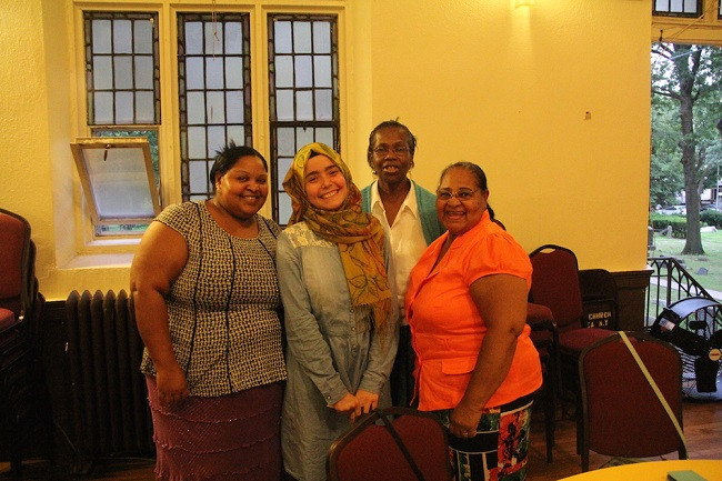 Iftar-with-members-of-Grace-Episcopal-Church (5)