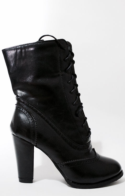 Lace Up Black Mid Leg Booties Size 32-35