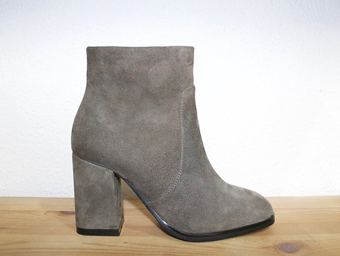 Grey Suede Boots Size 34-35