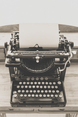 typewriter-vintage-old-vintage-typewrite