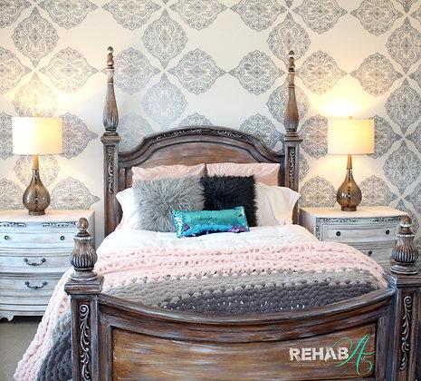 5 piece Queen Driftwood / Dirty Marshmellow Bedroom Set