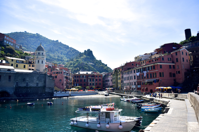 Grace Kelly Travel Influencer Blogger Cinque Terre