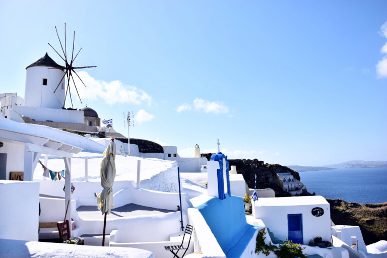 Grace Kelly Travel Influencer Blogger greece