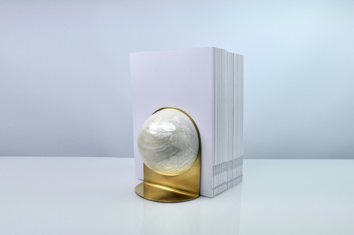 GLOBULUS BOOKENDS