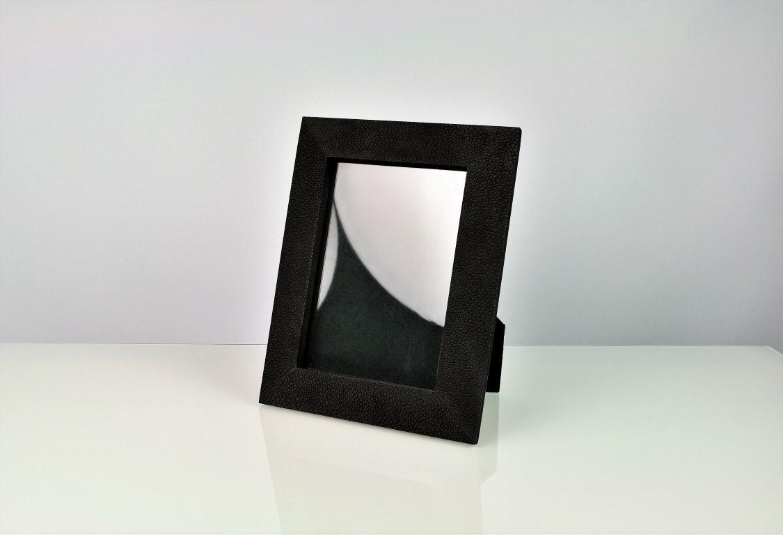 FRM1056 ST black