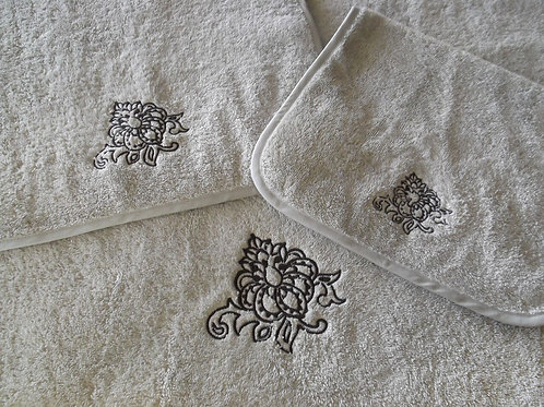 Bloom Towels by St. Pierre Home Fashions