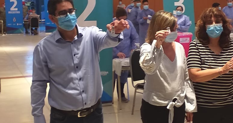 """EXCLUSIVO: Ministro Cardozo: """"El 0800 de la vacuna explotó porque la vacuna es segura"""""""
