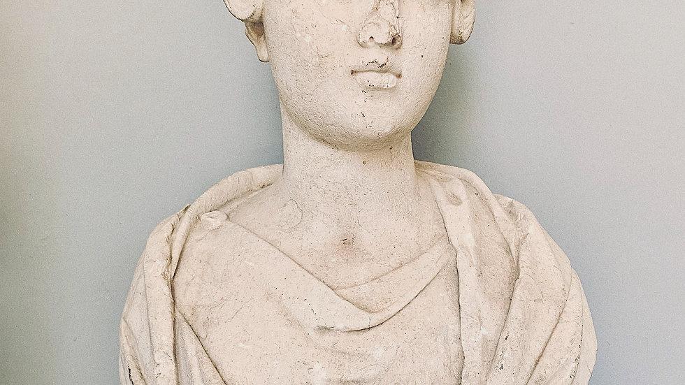 Busto clásico femenino