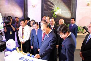 Thủ tướng Nguyễn Xuân Phúc thăm gian hàng của Biosil tại Đại hội Đại biểu Đảng Bộ TP. HCM