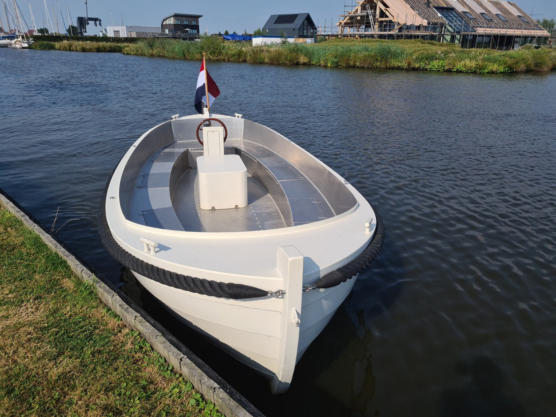 Elektrische sloep Blackfish Marine 660