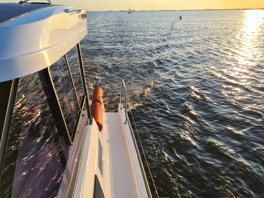 Solar Powered // Expand the range of your electric boat with solar energy