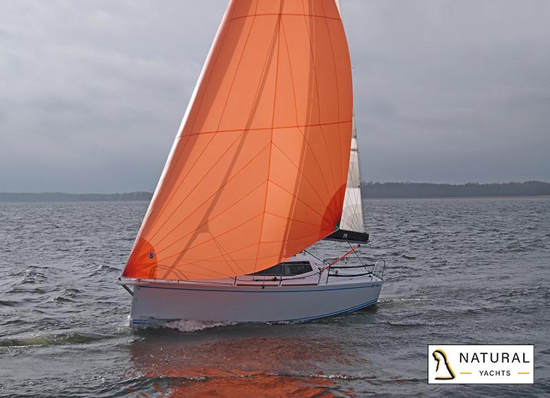 Maxus Evo 24 sailing boat