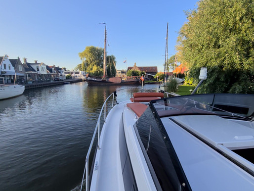 Boating route Súdwest Friesland: From charming villages to quiet and endless Frisian lakes