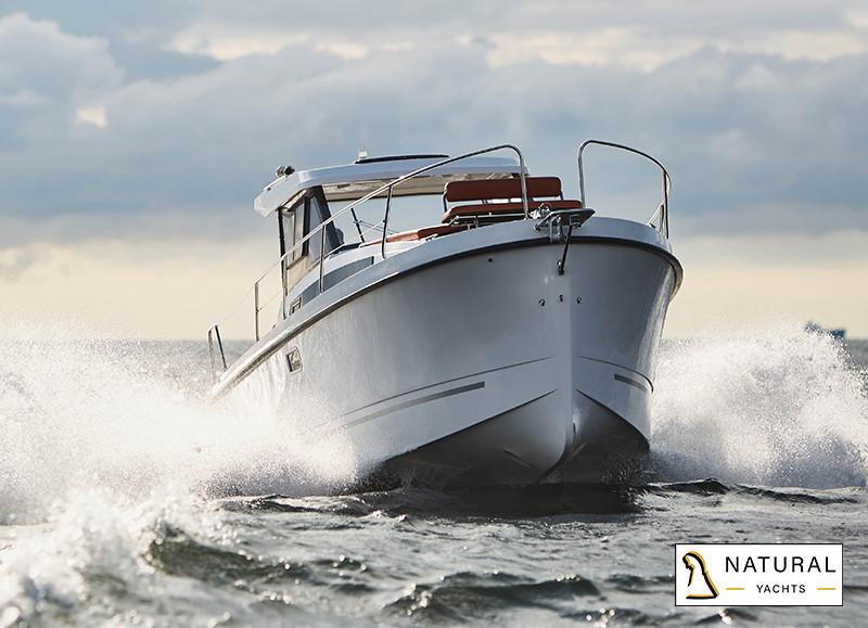 Nexus Revo 870 Motor Yacht Planing