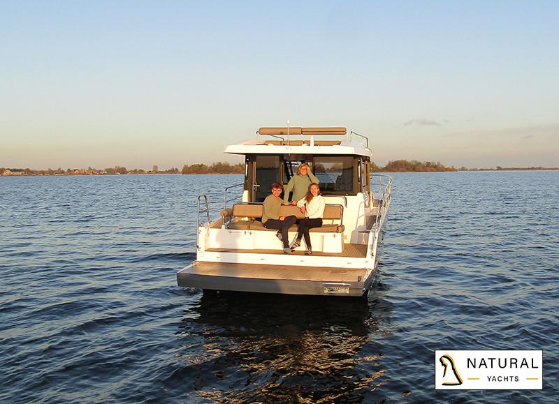 Northman 1200 Motor Yacht spacious bathing platform