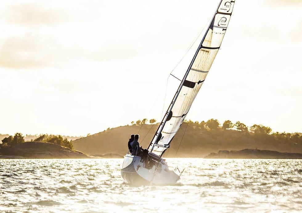 Maxus 22 sail boat