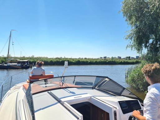 5 redenen waarom je een elektrische boot wilt huren in Friesland