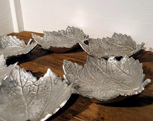 Maple Leaf Wreath Plate