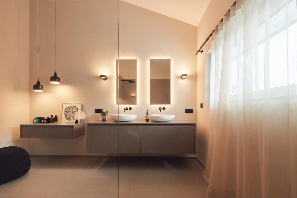 ranz raumkonzepte-modern-beleuchtet-bad-